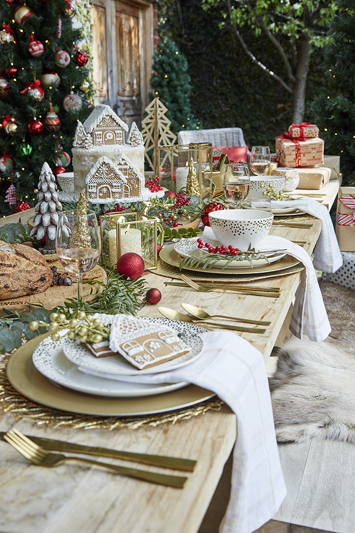 Golden-Christmas-Table-Decor-Ideas
