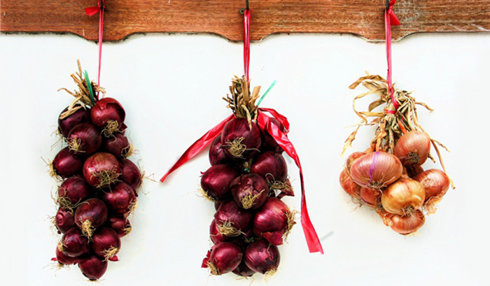 Greece-Onions-New-Year-Tradition