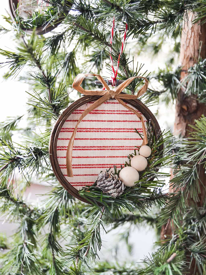 Handmade-Rustic-Wooden-Christmas-Tree-Ornament-Ideas