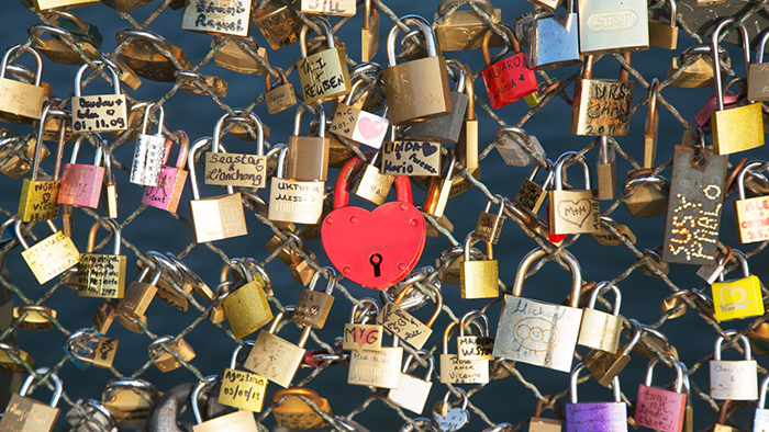 Love-Locks-Paris-Ideas
