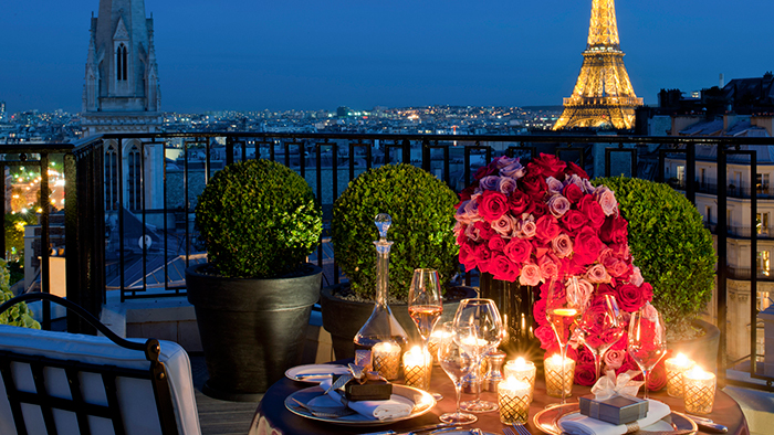 Romantic-celebrating-st-valentine's-day-in-paris-Ideas