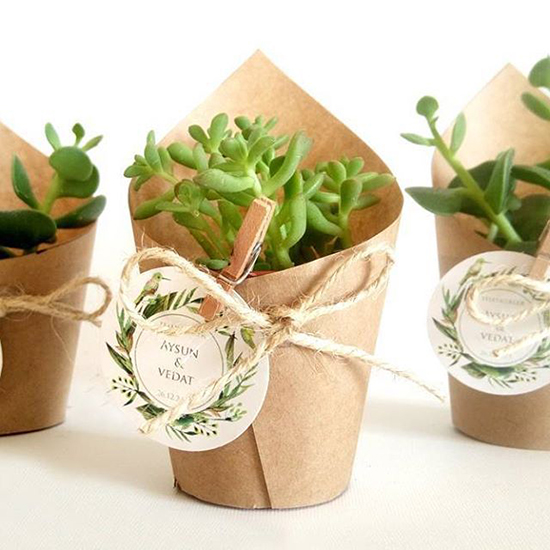 Simple-and-Easy-Christmas-Wrapping-Ideas