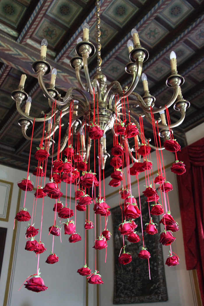 St-Valentines-Chandelier-Decor-Ideas