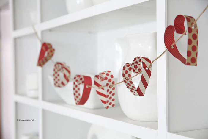 Valentines-Day-DIY-Home-Decor-Heart-Garland