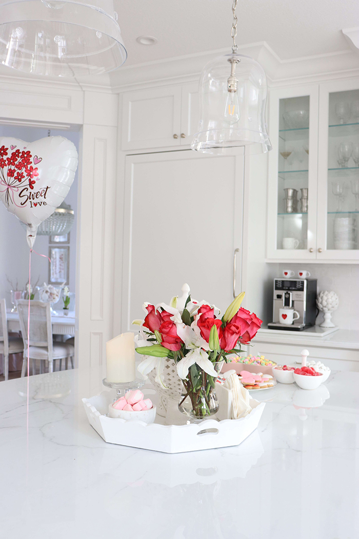 Valentines-Day-Home-Decor-Flowers-Ideas