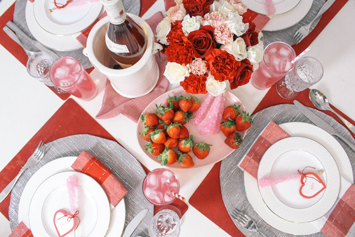 Valentines-Day-Red-Table-Decor-Ideas