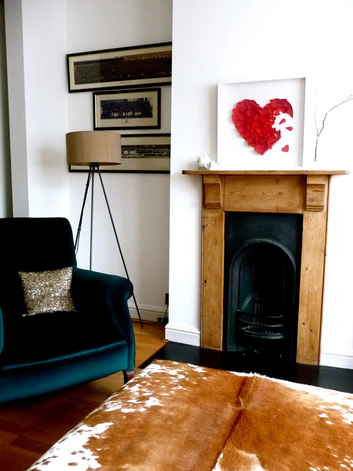 Valentines-day-living-room-with-red-heart