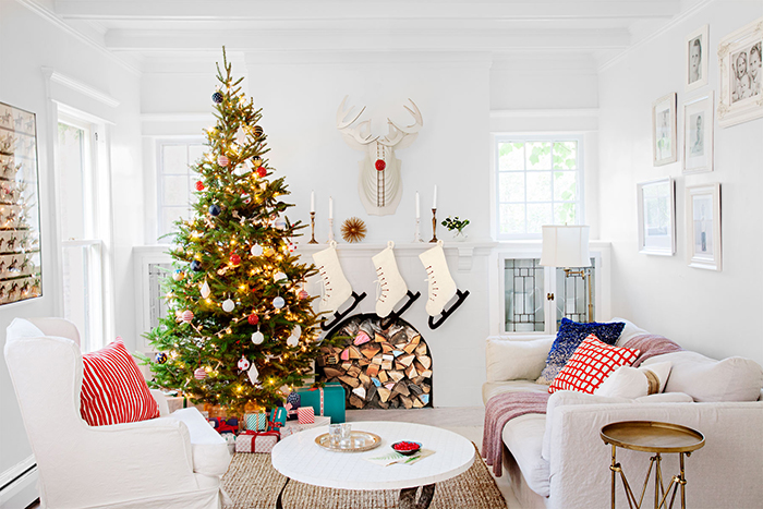 Warm-and-Cozy-Ideas-for-Christmas-Fireplace-Decor