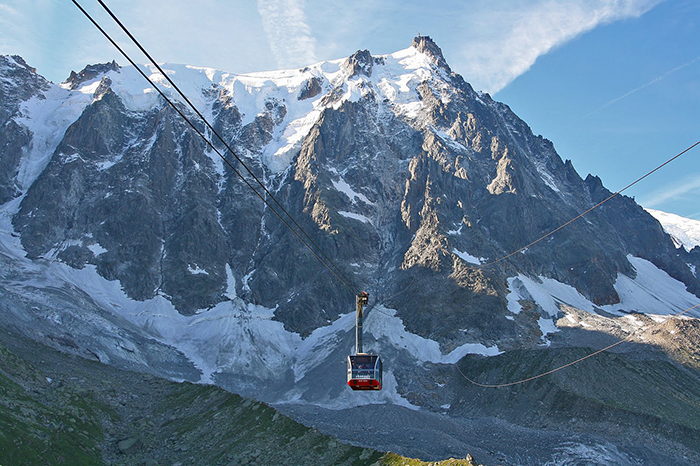 Aiguille-du-Midi-France-highest-ski-lift