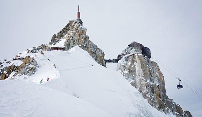 Aiguille-du-Midi-Highest-Ski-Gondola