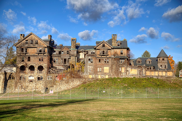 Halcyon-Hall-at-Bennett-College-New-York-abandoned-hudson-valley