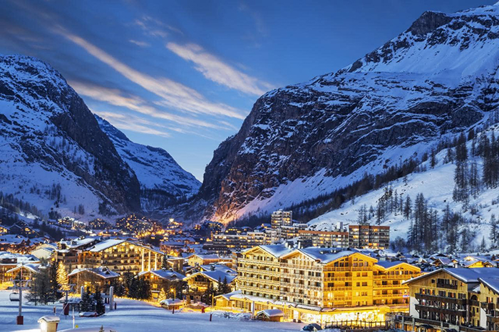 Romantic Val d'Isere at night