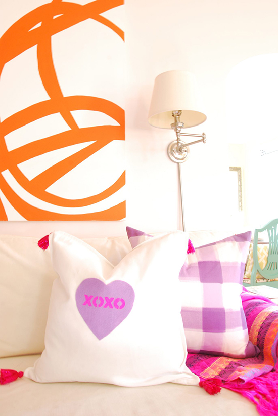 DIY-heart-pillow-for-st-valentine's-day-idea