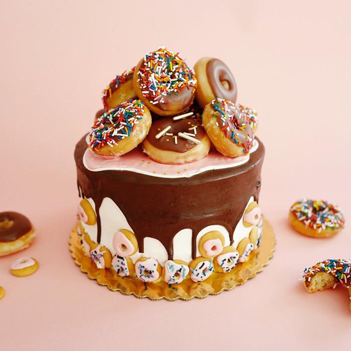 Donuts-Big-Cake-Idea