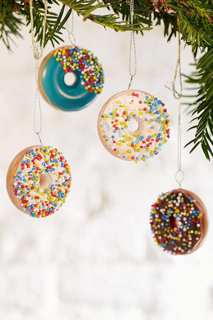 Donuts-Christmas-tree-decotation-ideas