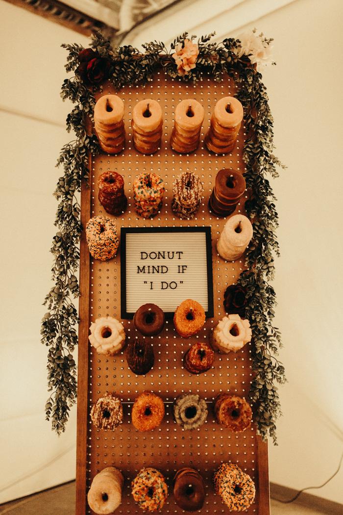 Donuts-Wedding-Bar-Ideas