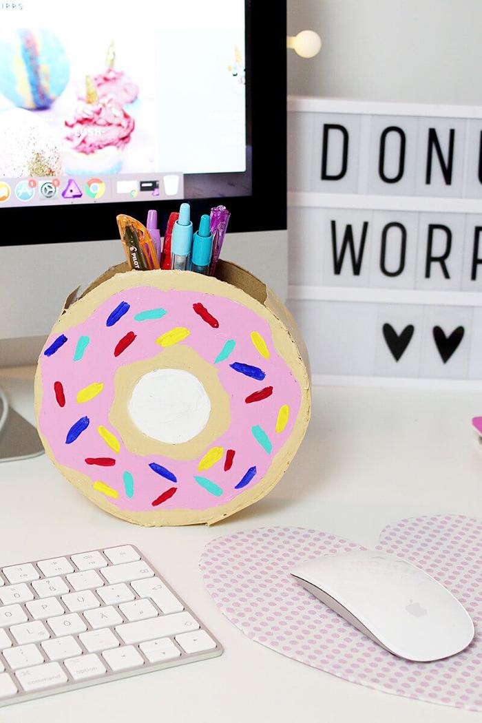 Donuts-desk-decoration-ideas