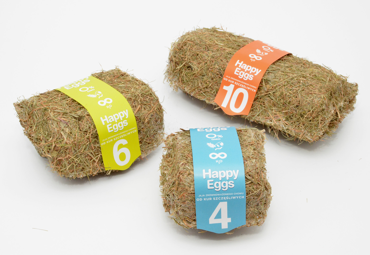 Eggs in natural straw box