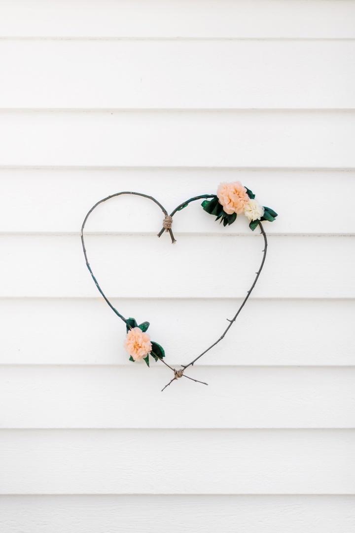 Simple DIY St Valentine's day door wreath ideas