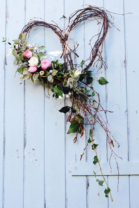St-Valentine's-Day-DIY-Door-wreath-ideas