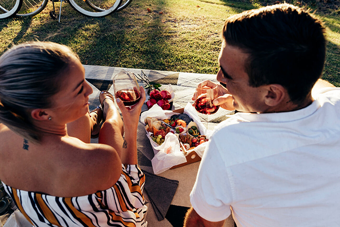 Valentine's-day-picnic-ideas
