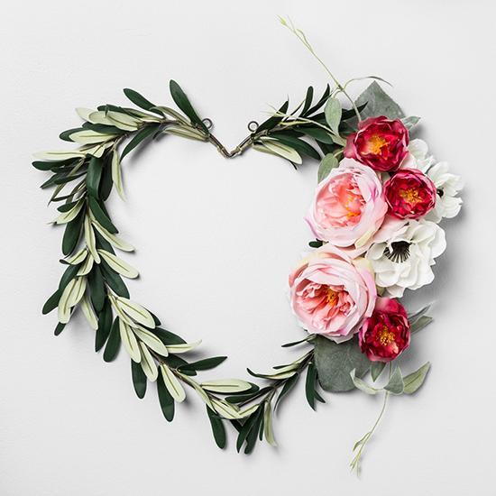 heart-wreath-valentines-decoration