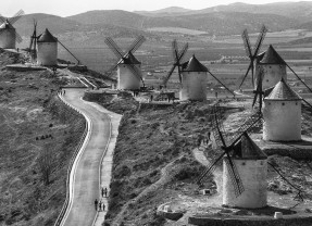 Let's Dive in the Land of Don Quixote