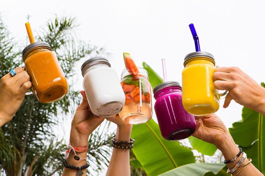 Alternatives to plastic straws glass straw stainless steel straw bamboo straw