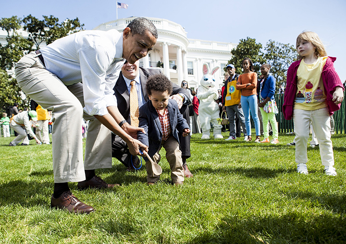 Easter Egg rolls with Barack Obama and kids in front of white house