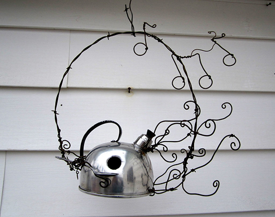 Metal kettle bird house