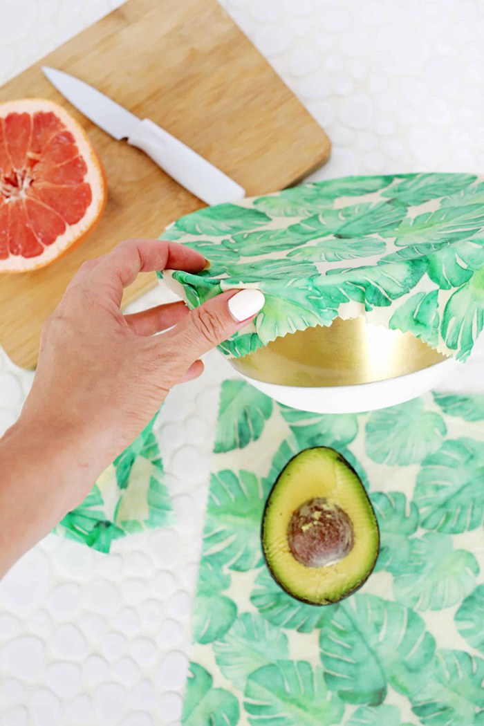 Beeswax food wrap with leaves decor