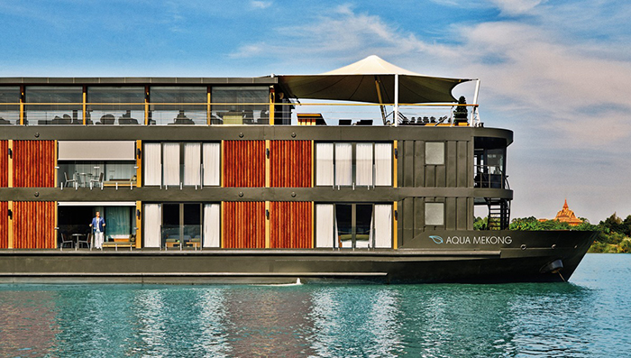 Floating hotel with an in house restaurant