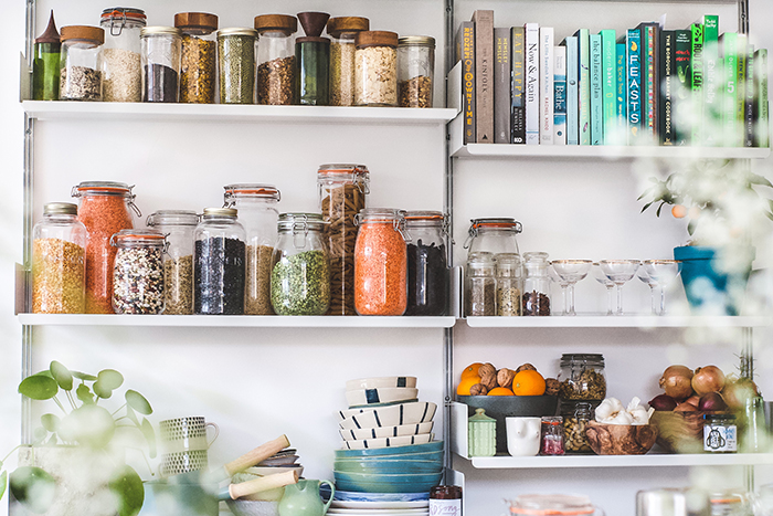 Kitchen shelves with plastic free jars