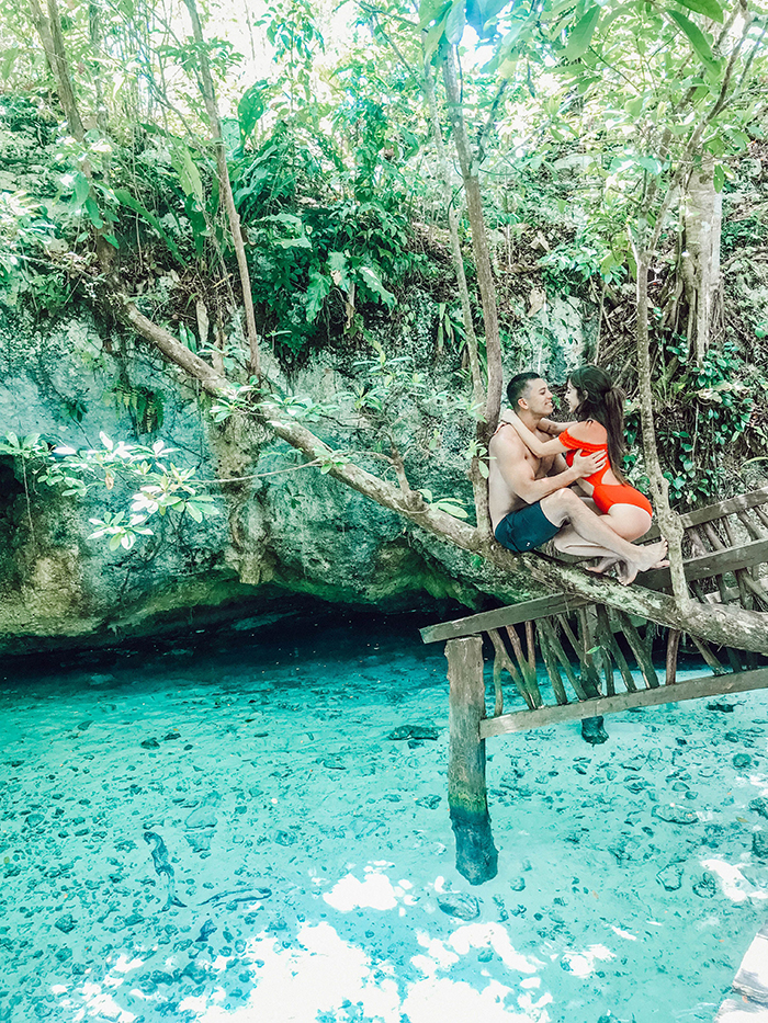 Couple enjoying the good nature in Mexio