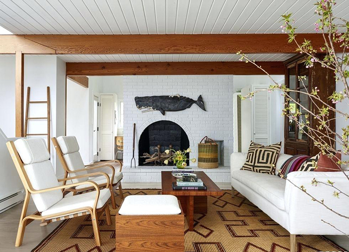 Natural rug in a beach house