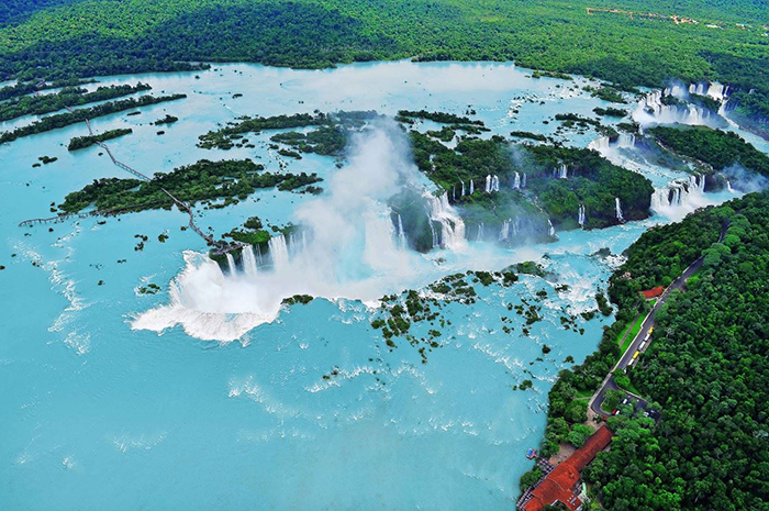 Iguazu Falls surrounded by good nature