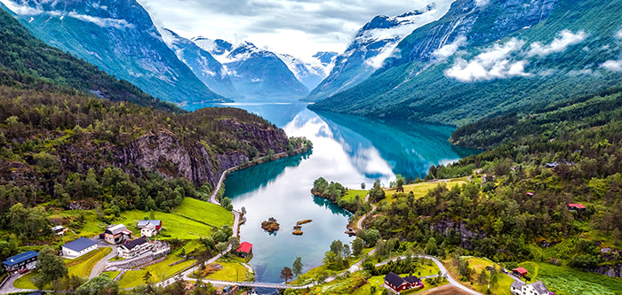 Visiting-Fjords-in-Norway-in-summer