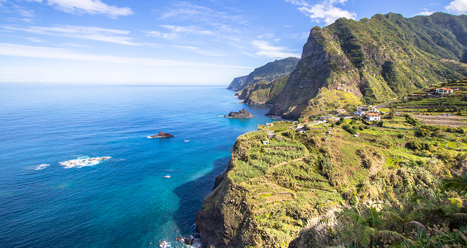 Hills and good nature by the sea in Madeira