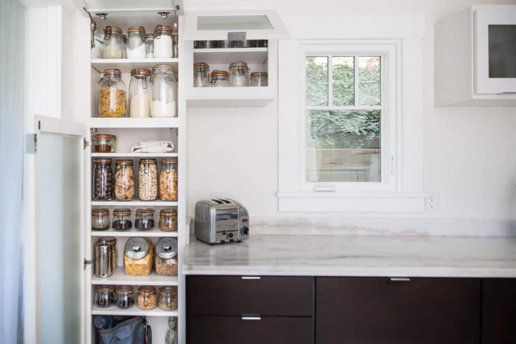 Minimalist and zero waste kitchen