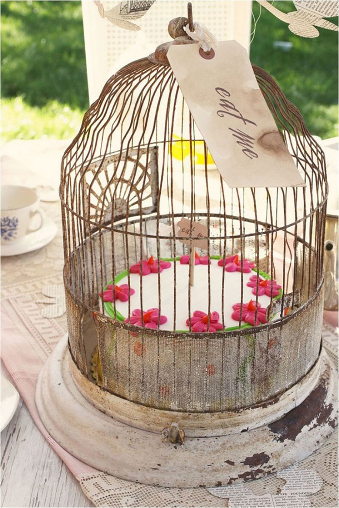 Birdcage for cakes