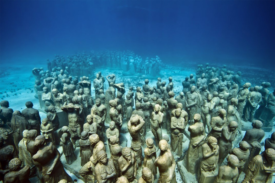 Underwater museum with its human statues in Isla de Mujeres in Mexico