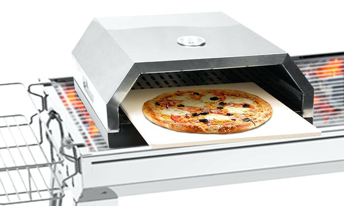 solar oven with pizza