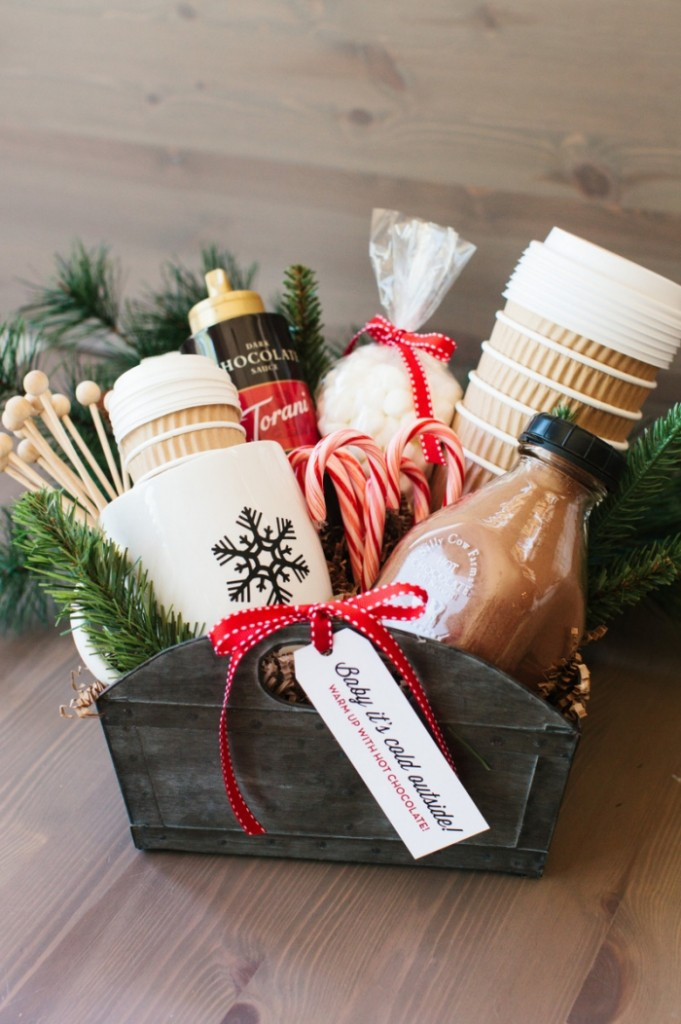 Hot chocolate gift box with ingredients