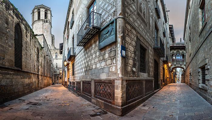 Barri Gothic house in Barcelona streets corners