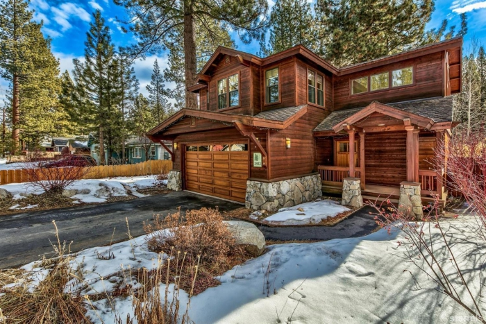 winter break cabins hotel in the woods wooden building