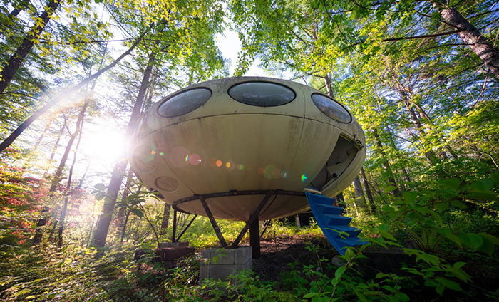 Futuro house in Nature forest mobile home architecture and design