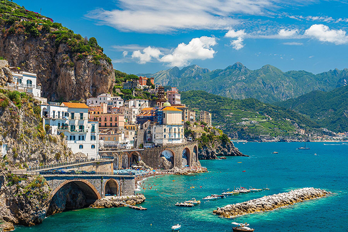 Things to do in Europe the Amalfi coast Italy Positano