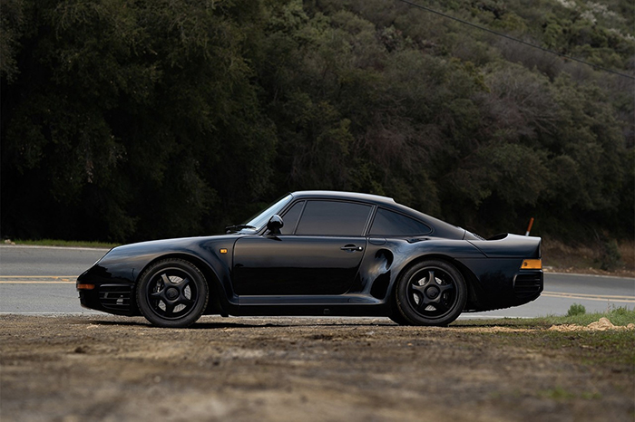 Rare black Porsche 959 Komfort side view outdoor