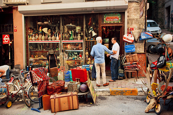 shop in Istanbul shopping street antiques