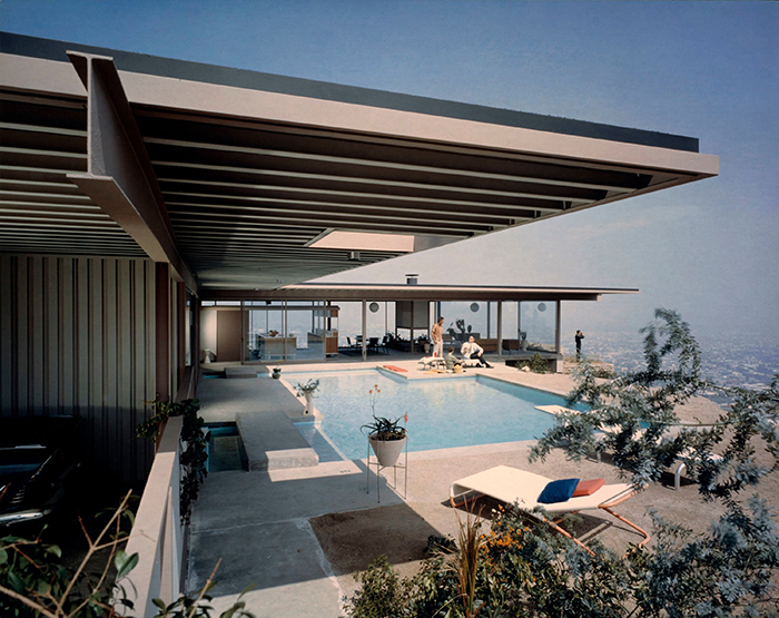 Stahl House USA Mid century modern home with a pool and a view
